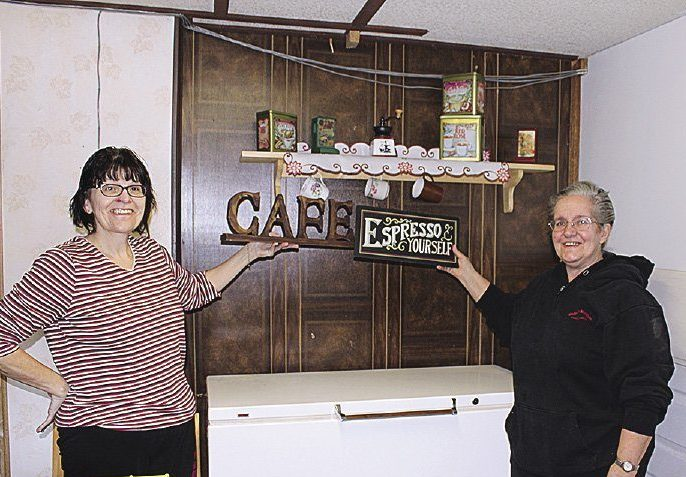 Canyon Country Co-op was decorated by Gisele Tilson and Bonnie Broughton.